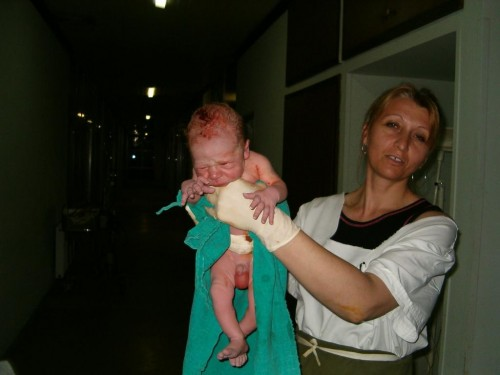 Никола, пет минута по рођењу