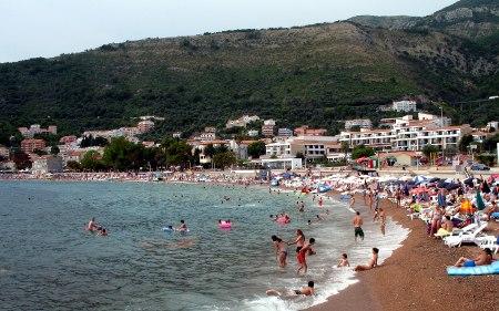 Градска плажа у Петровцу