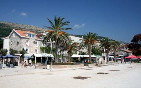 Шеталиште поред обале у Петровцу