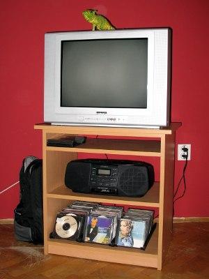 Нова полица за ТВ (сам свој мајстор)