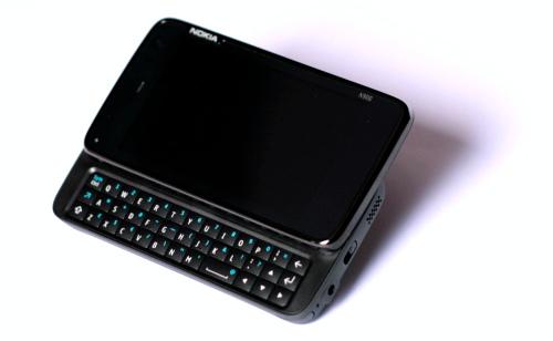 Nokia N900: профил са извученом тастатуром