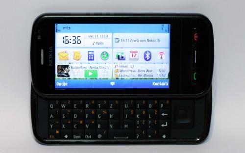 Nokia C6-00: QWERTY тастатура у пуном сјају