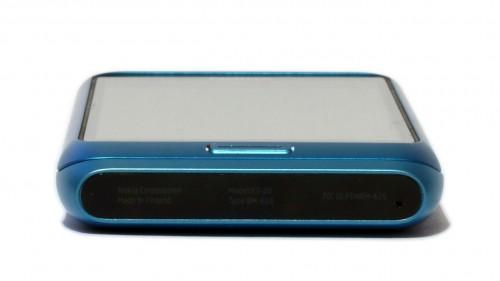 Nokia E7: доња страна
