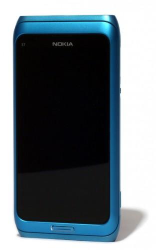Nokia E7: предња страна