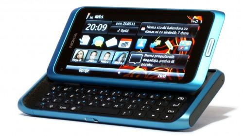 Nokia E7: хардверска тастатура