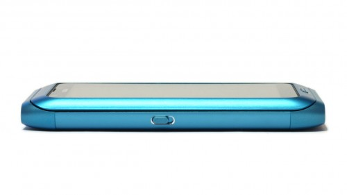 Nokia E7: лева страна