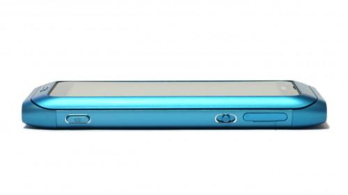 Nokia E7: десна страна