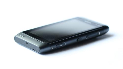 Nokia N8: доња страница
