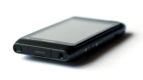 Nokia N8: горња страница